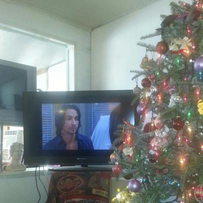 Michael Easton on General Hospital today. Yes, my tree is still up, but I've promised my husband I'll take it down tomorrow.