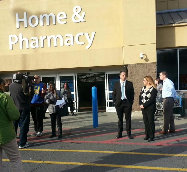 Walmart Tom Smith rally Alice green & Walmart execs 11-28-15